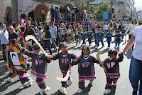 Jogos Olímpicos é tema do Desfile de 6 de julho que reúne grande público em frente à Prefeitura