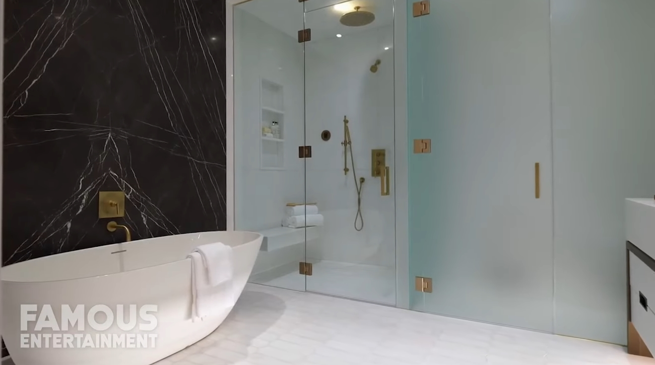 19 Photos vs. Lewis Hamilton | House Tour | $80 Million New York Penthouse - Luxury Condo & Interior Design Tour