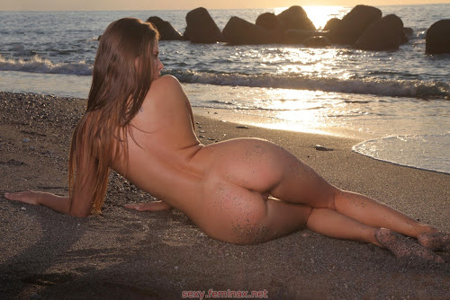 hot chicks - sexy juliette -  I quite like being naked