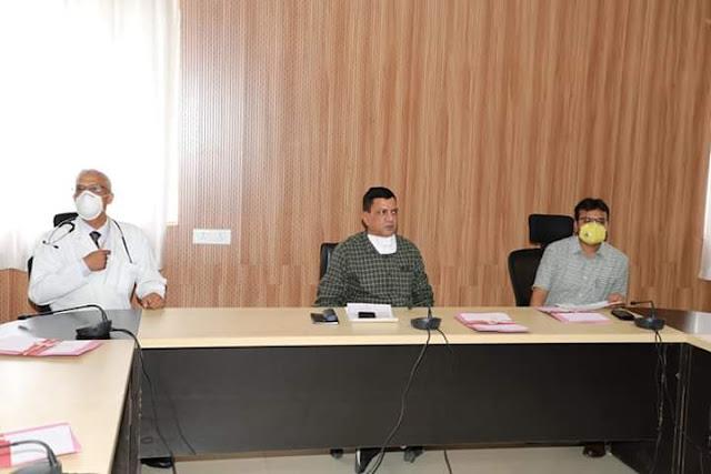 Chhindwara MP News : छिंदवाड़ा में कोरोना(Corona)  टेस्टिंग लैब शीघ्र कराएं प्रारंभ - संभागायुक्त श्री चौधरी / Chhindwara MP News : Start Corona Testing Lab in Chhindwara soon - Divisional Commissioner Mr. Chaudhary