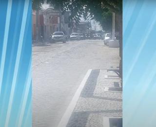 Bandidos fazem reféns durante assalto a supermercado na Paraíba