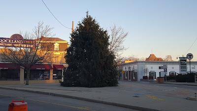 Christmas tree on the triangle in downtown Franklin