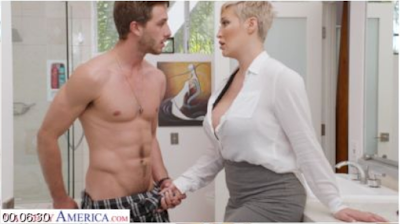 My Friend's Hot Mom – Ryan Keely takes cock from her son's friend (2020/FULLHD)