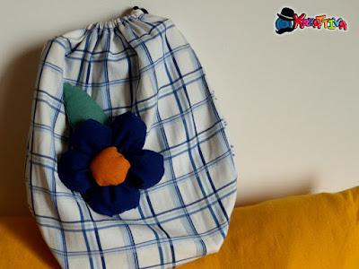decorare sacchetto con fiori di stoffa