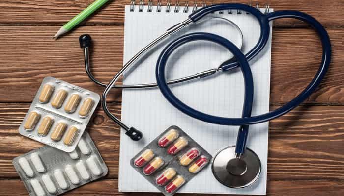 Apakah Dokter dan Perawat yang Menyembuhkan Penyakit?