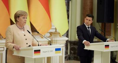 Меркель не дала гарантії подовження транзиту газу та постачання зброї Україні