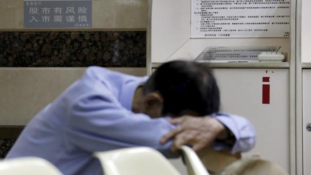 Seis funcionarios chinos se duermen durante una reunión oficial para combatir la pereza