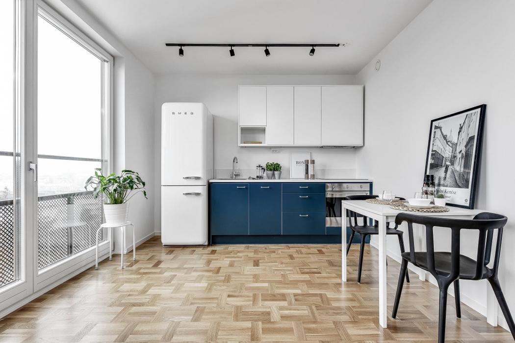 cocina apartamento decoracion blanco y negro