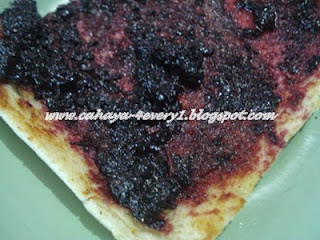 Roast bread with mulberry jam