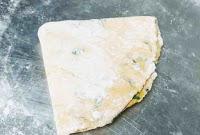 Triangular Methi paratha dough