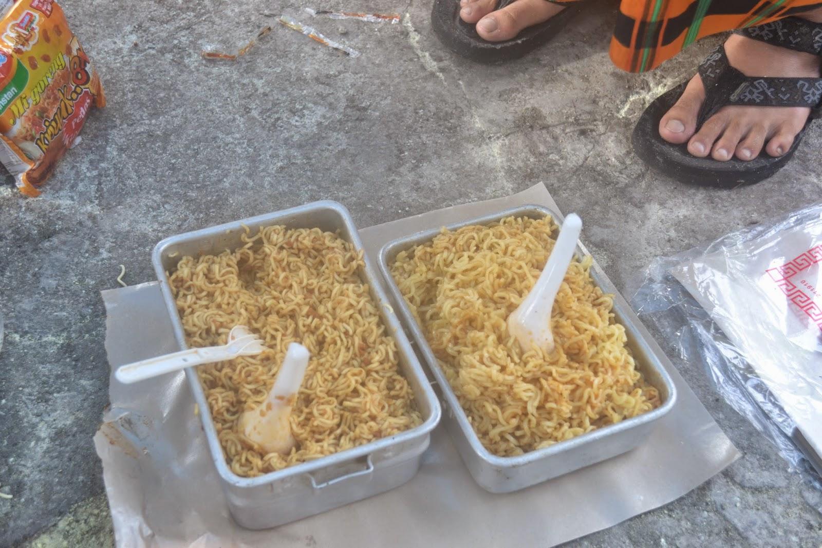 indomie goreng nesting