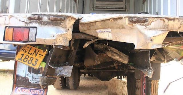 Accident-6-Killed-3-Injured-Near-Wennappuwa-Nainamadama-Bridge-5