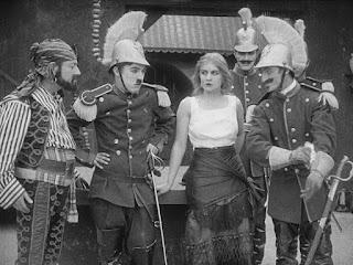 "Кадр из фильма Чарли Чаплина ""Пародия на Кармен"" / Burlesque on Carmen (1916) - 14"