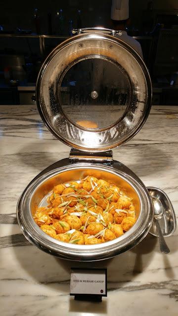 Telur Mebase - Thursday Bali Jimbaran di Orchid Restaurant Grand Mercure Hotel Medan
