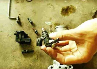 Ilustrasi Injeksi Sepeda Motor https://www.daengnungtung.com