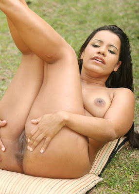 NRI Desi Aunty Naked Xxx Pussy Porn Photoshoot