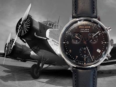 飛行機と時計