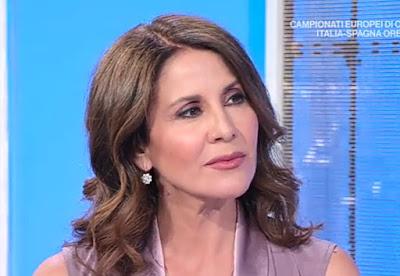 Conduttrice Unomattina Estate Barbara Capponi oggi 6 luglio