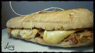 http://cucinaconlara.blogspot.it/2017/06/panino-di-segale-con-crema-di-fagioli.html