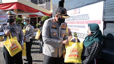 Polres Situbondo Bagi 500 Sembako Dan Alat Kesehatan, Sambut Hari Bhayangkara Ke 74