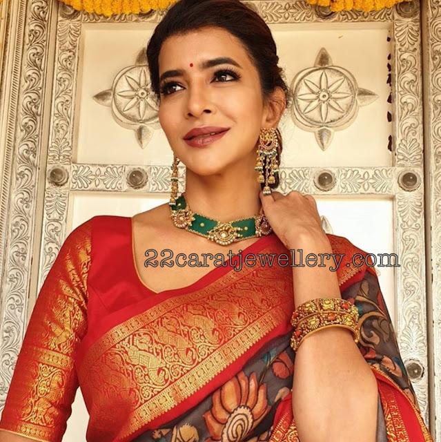 Lakshmi Manchu Nakshi Bangles