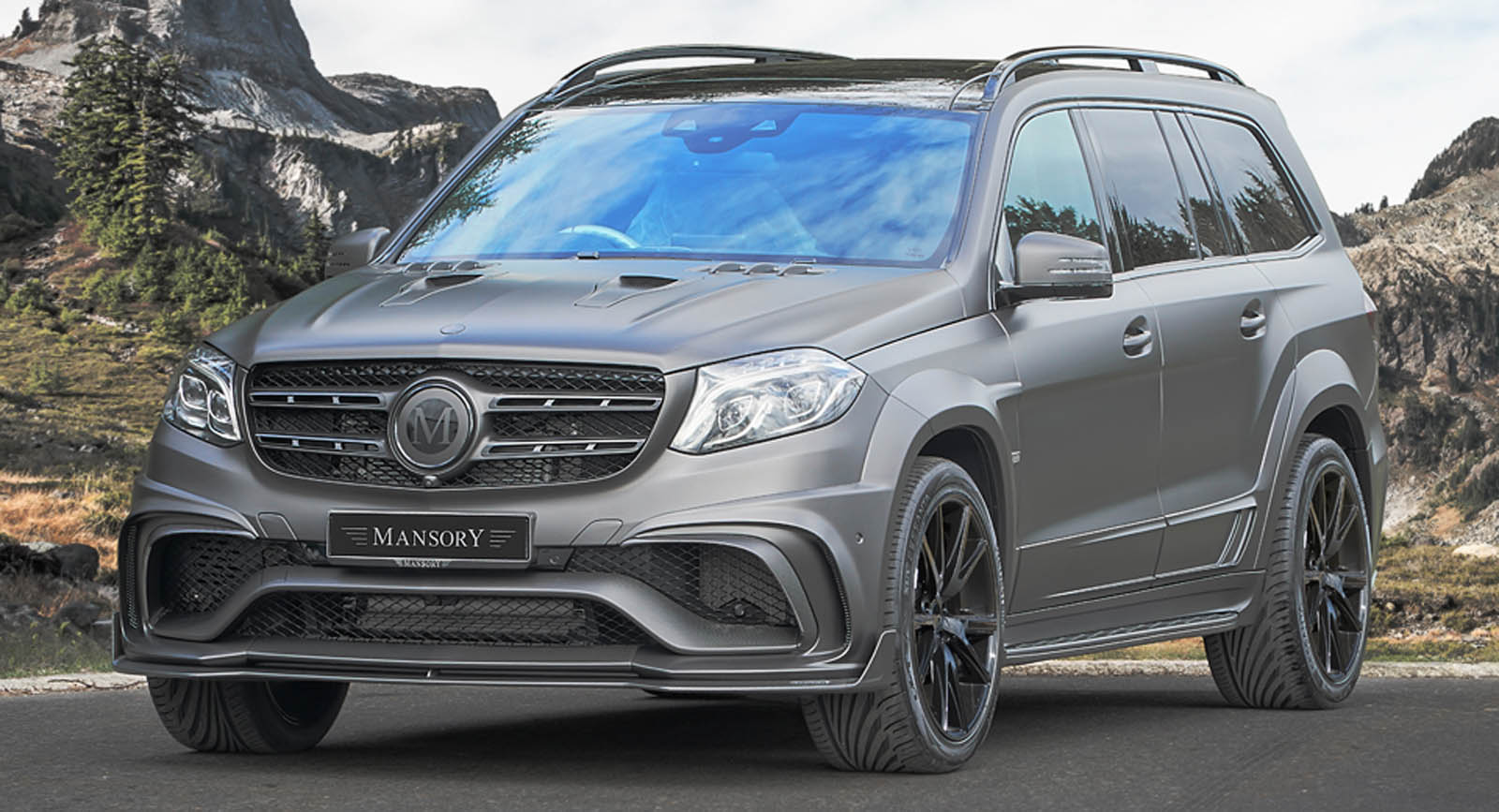 mansory 39 s widebody mercedes amg gls 63 slams 830 hp to the road. Black Bedroom Furniture Sets. Home Design Ideas