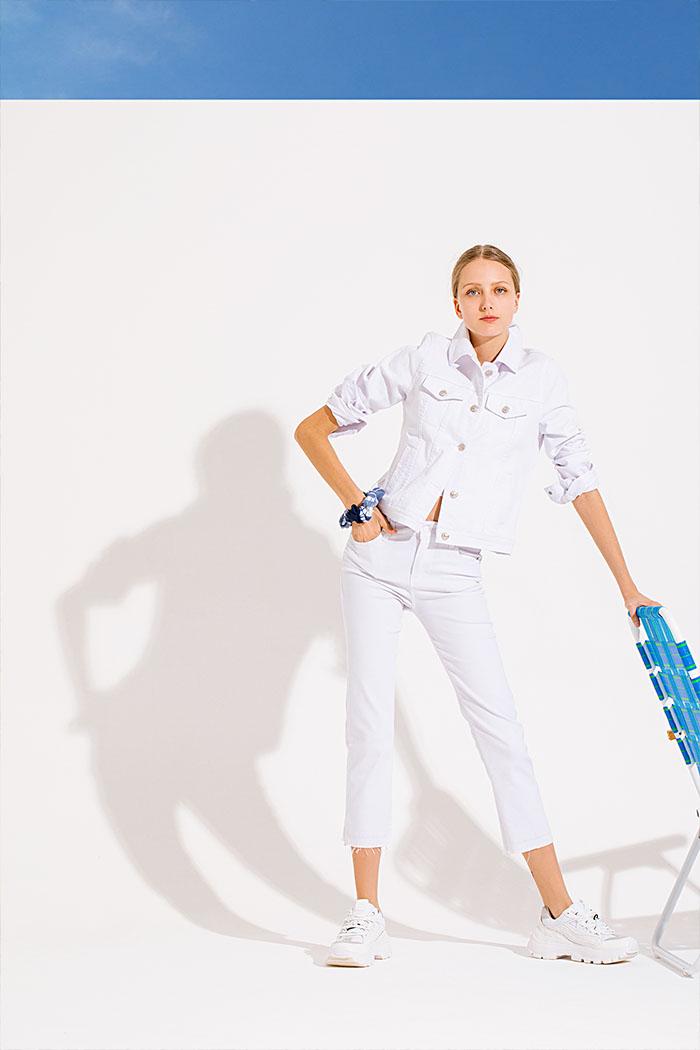 Pantalones de jeans blancos verano 2020.