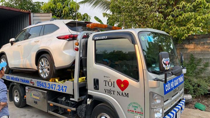 Toyota Highlander Limited 2020 đầu tiên về Việt Nam