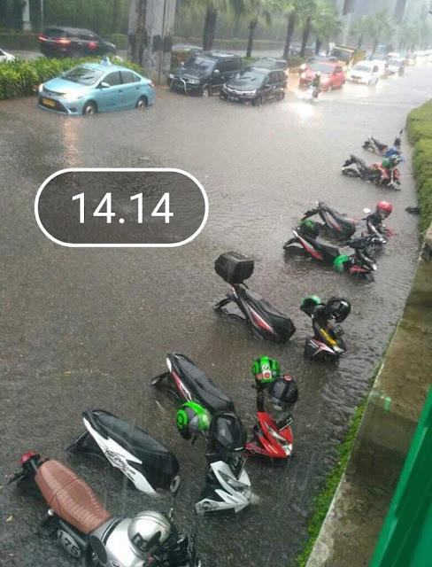 Jakarta banjir, motor ikut terendam perlukah servis besar?