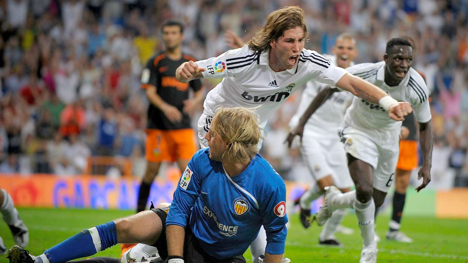 Real Madrid and Valencia clash | When the Royal Super scored with nine players