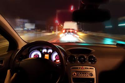 kiat agar aman berkendara pada malam hari