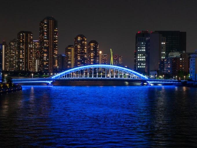 【夜景】築地大橋の歩道へ行くのに駐車場が無くて困りました