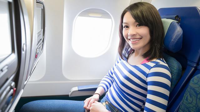 5 Jenis Pakaian yang Sebaiknya Tak Dikenakan Saat Naik Pesawat