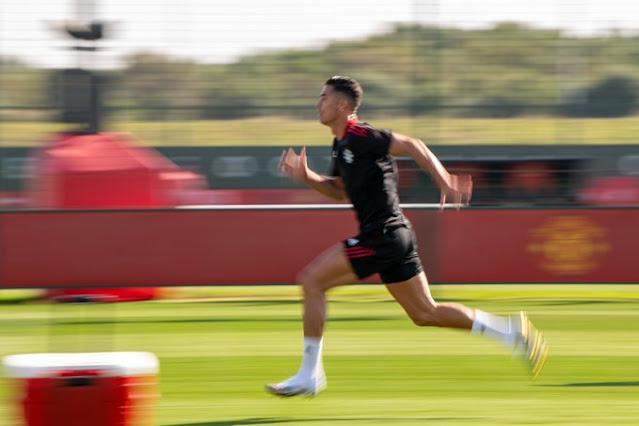 """مانشستر يونايتد يغازل بمشاركة رونالدو في التدريبات: """"لا أحد يمكن إيقافه"""""""