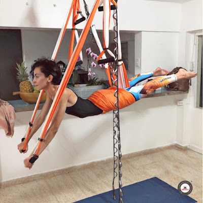 yoga aerien, aeroyoga, aeropilates, aerien, yoga, fitness, remise en forme, sante, bienetre, satge, formation, formation professionnelle, formation yoga aerien
