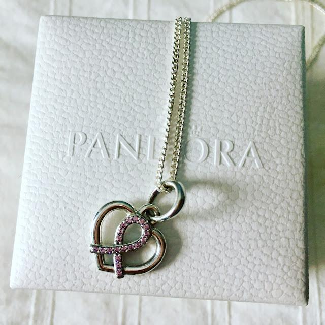 Pandora, Cada Momento es un Regalo, Fundación Sandra Ibarra de Solidaridad Frente al Cáncer, Look, Street Style, Solidaridad, Cáncer de Mama