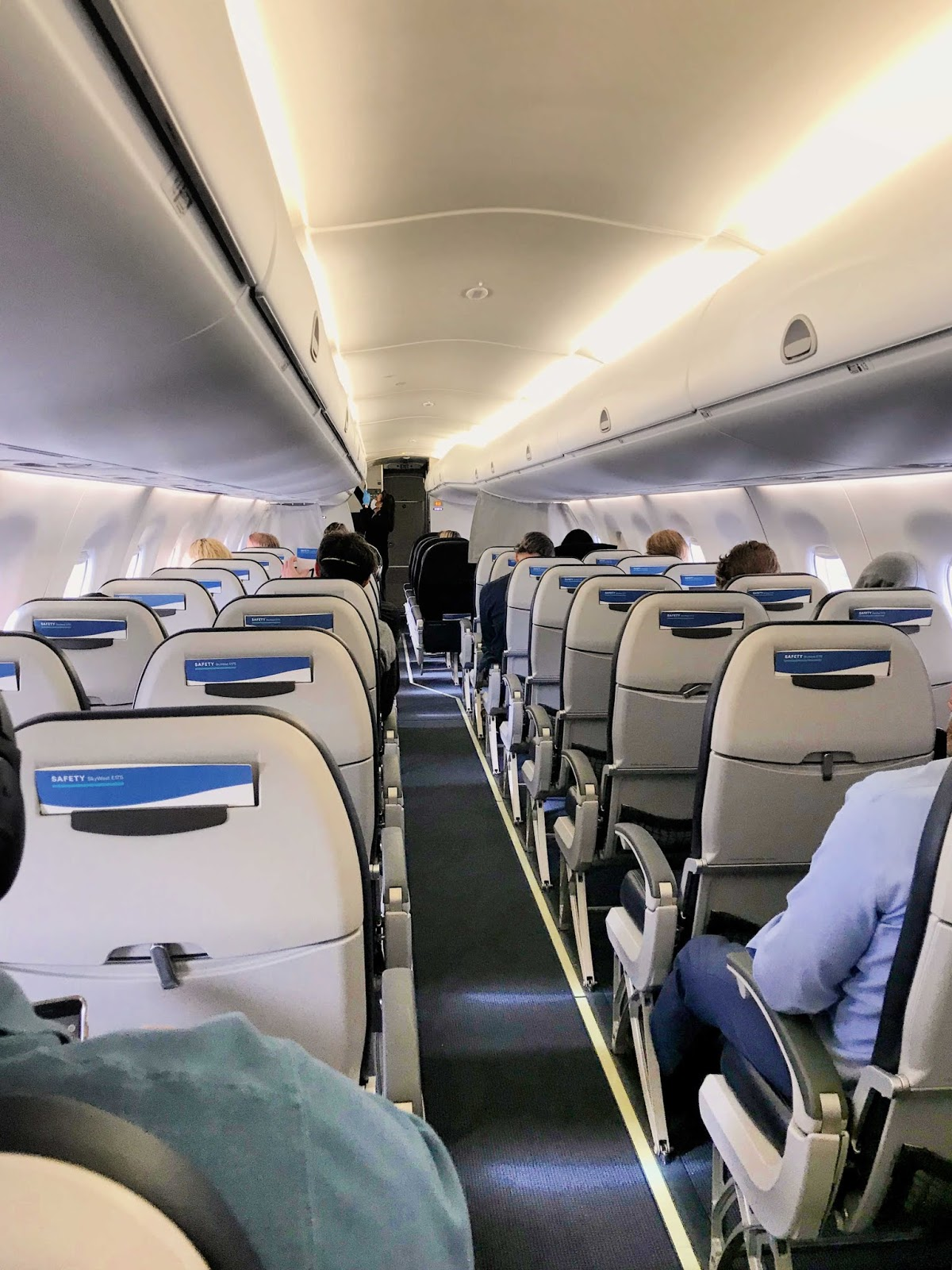 social distancing on airplanes