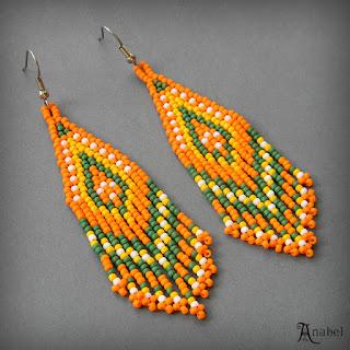 Оранжевые серьги из бисера