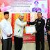 Ketua Badan Amil Zakat Nasional { Baznas } Kabupaten Pasaman, Serahkan Penghargaan kepada Kapolres Pasaman pada HUT Bhayangkara ke 73 Tahun 2019..