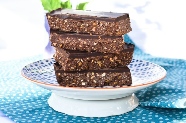 No Bake Peanut Butter & Cornflake Chocolate Tiffin on plate