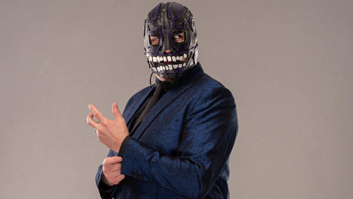 WWE ofereceu tryout para Evil Uno assim que ele assinou com a AEW