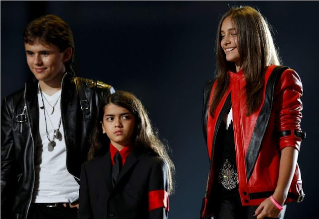 Prince, Blanket y Paris