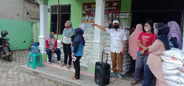 Kampung Tanjung Ratu Ilir Menyalurkan Bantuan Beras  KPM/PKH