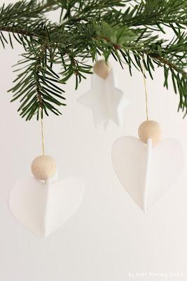 DIY Tutorial für selbst gebastelte Filzsterne und Filzherzen mit Holzkugel, Weihnachtsdekoration auf dem Südtiroler Food- und Lifestyleblog kebo homing
