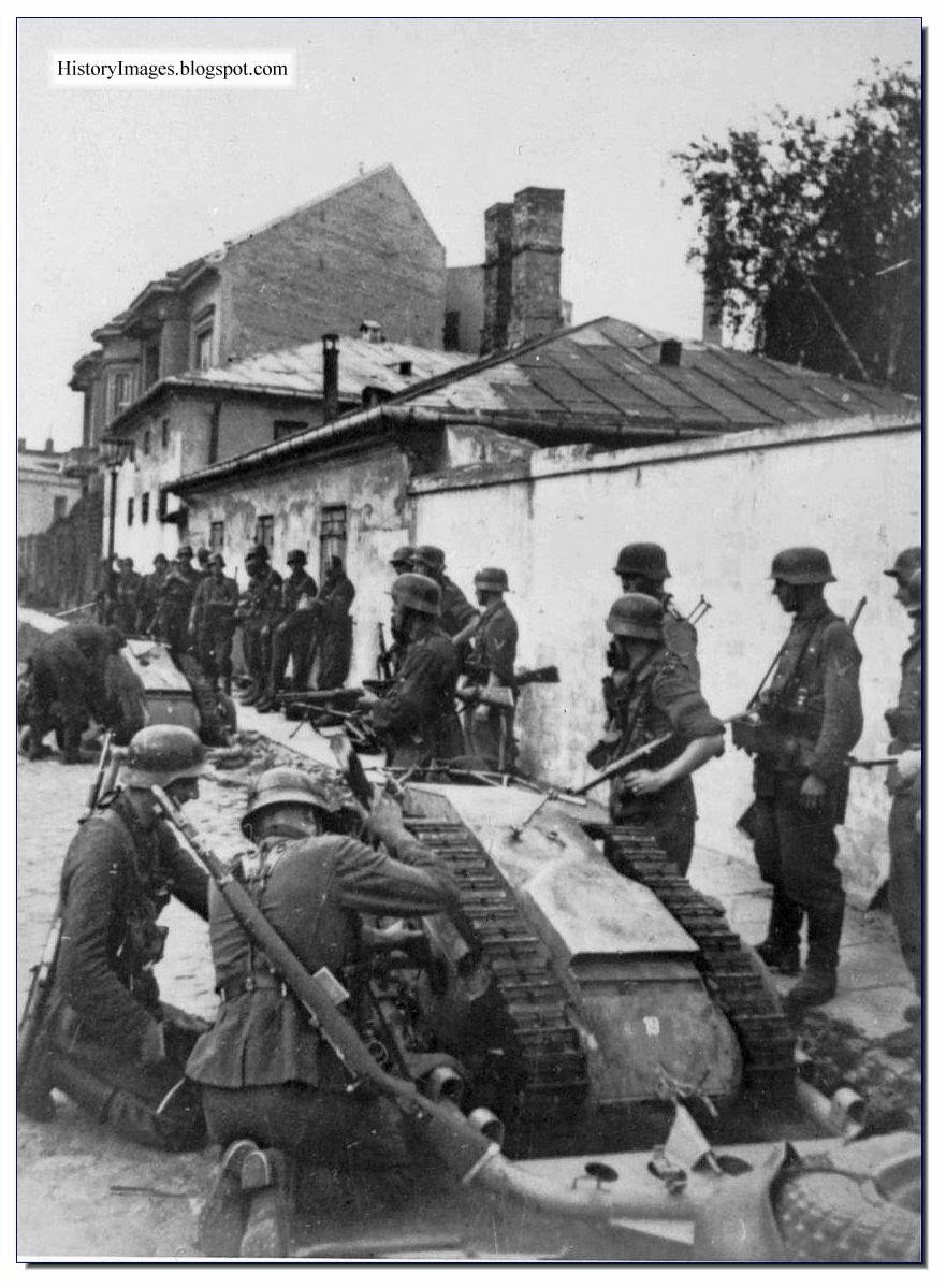 German soldiers Goliath during  suppression  Warsaw Uprising August 11 1944 Rare WW2 Images