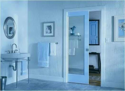 The bathroom door that you can implement in your home