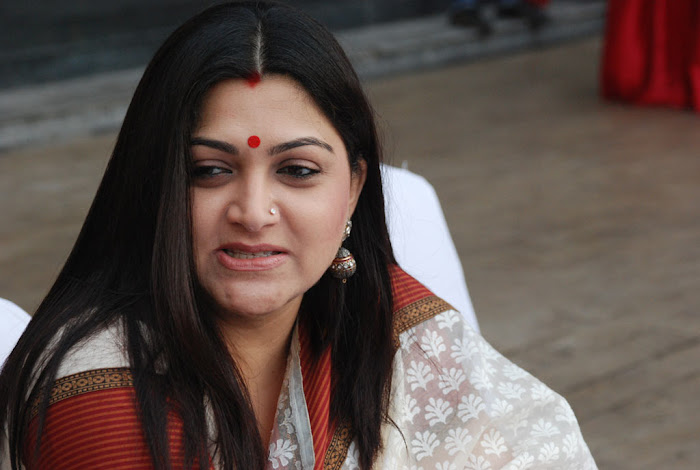 kushboo in saree at big fm et awards photo gallery