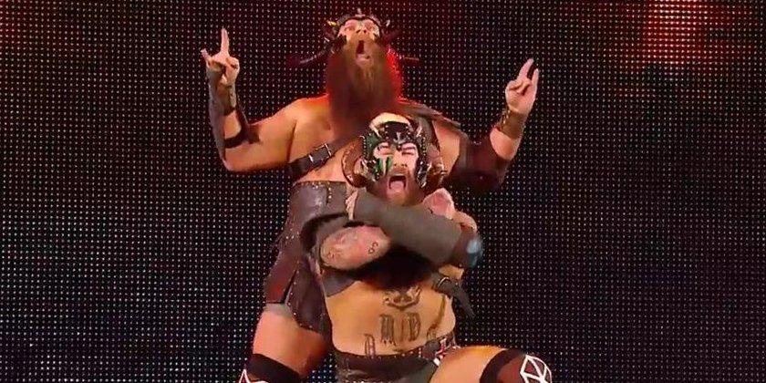 Possible Injury On Tonight's RAW (Video), WWE Brand To Brand Invitational Returns