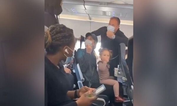 US: Family Offloaded From Plane for a Baby Not Wearing a Mask, Entire Ship Evacuated in Protest