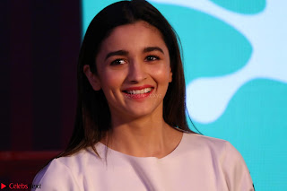 Alia Bhatt looks super cute in T Shirt   IMG 7694.JPG